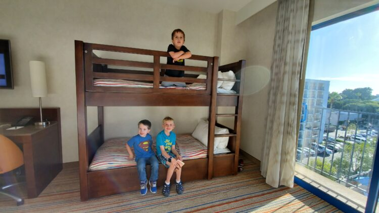 Bunkbeds at Courtyard by Marriott Theme Park Entrance